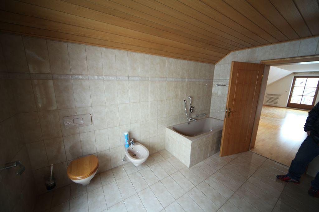 haus 1 1ogbadeltern bild 3 sanierung in n rnberg. Black Bedroom Furniture Sets. Home Design Ideas
