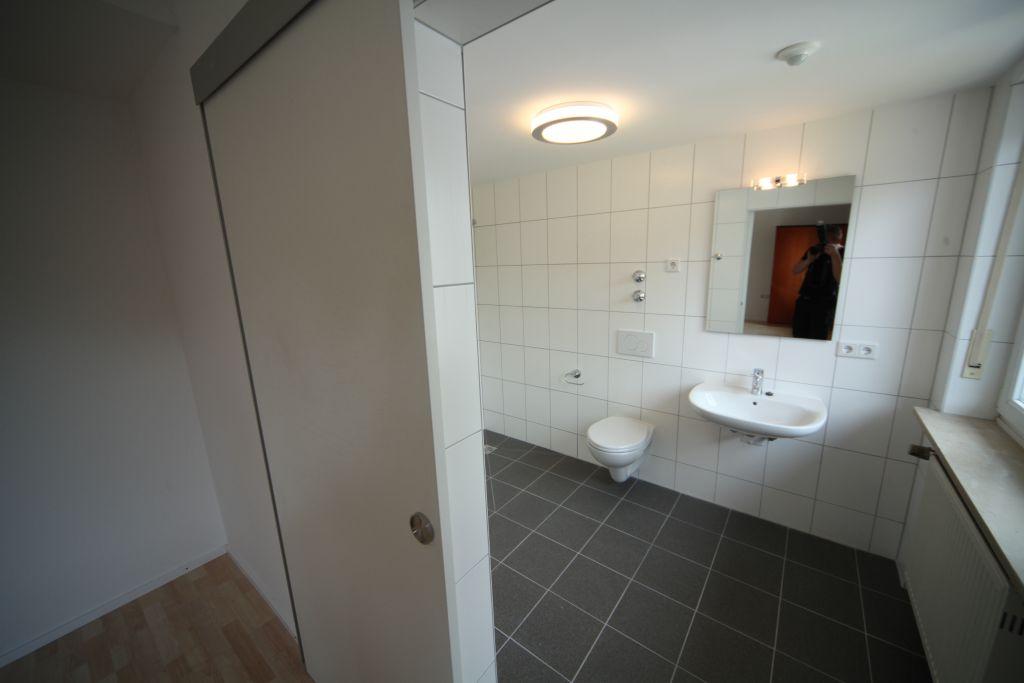 1 altenheim bad6 bild 4 sanierung in n rnberg. Black Bedroom Furniture Sets. Home Design Ideas